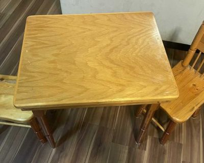 Child s table and chairs