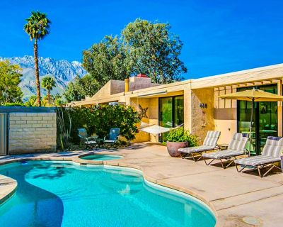 Spacious dwelling w/ Private pool/spa, firepit, outdoor seating, & tennis courts - Palm Springs