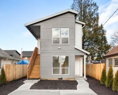 8589 Southeast Insley Street - 8589 #8589, Portland, OR 97266 3 Bedroom Apartment