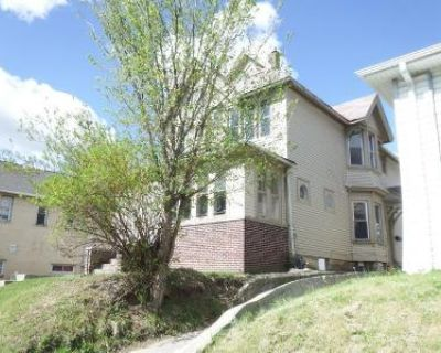 6 Bed 2 Bath Foreclosure Property in Milwaukee, WI 53204 - S 5th St
