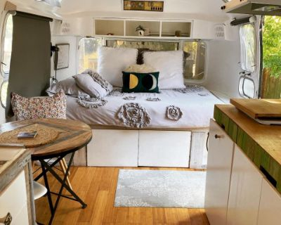 Beautifully Remodeled Vintage 1970's Airstream, Portland, OR