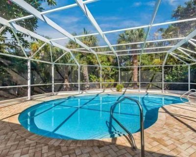 Beautiful House in East Rocks Sanibel, heated pool, private yet close to the beach. New to Rental Market - East Rocks