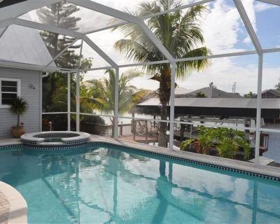 Beautiful 5/3 villa with heated salt water pool+spa, boat rental, bikes, fishing - Pelican