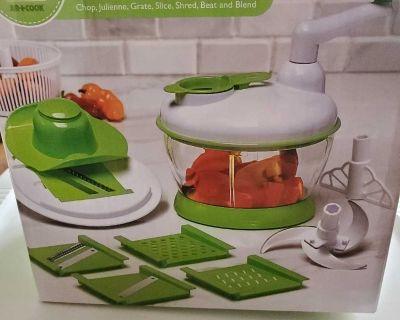 Vegetable slices/chops/grates