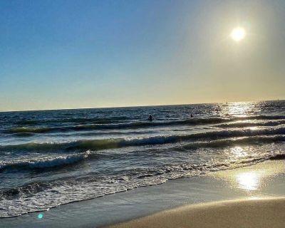 Breathtaking Escape! 30 steps to the sand - Marina Peninsula