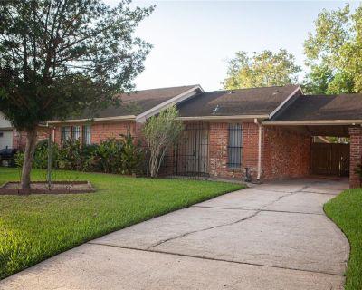 3311 Trail Lake Drive, Houston, TX 77045