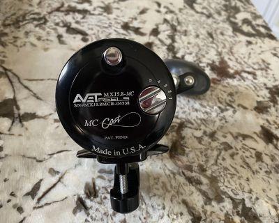 FS: AVET MXJ 5.8 Lever Drag Reel