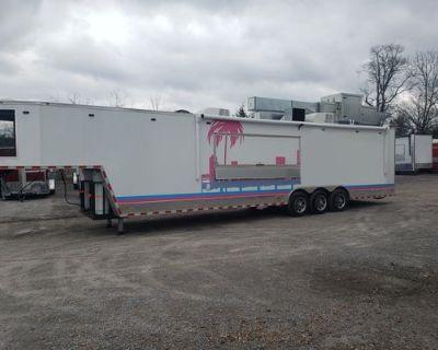 8.5' x 42' White Gooseneck Concession Trailer (Burger Restaurant) - Freedom Trailers / 69030wapp / 2020