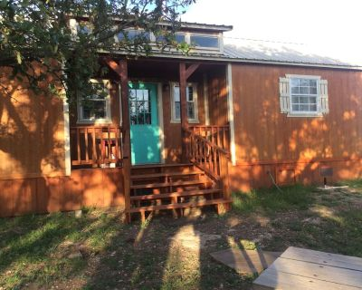 JK-Ranch The Farmhouse in the heart of wine country - Kerrville