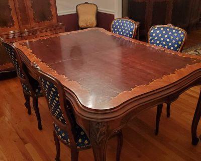 Beautiful Antique Dining Room Set