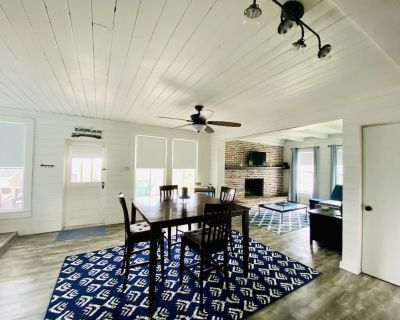 Picturesque Lakeview Cottage on Desirable North Shore of Lake Weir - Ocklawaha