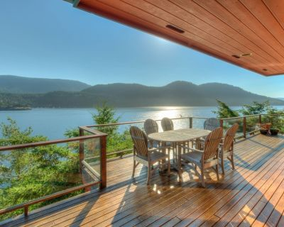 Waterfront! - Incredible views; Private rocky beach; Gourmet Kitchen; Spa/Sauna - Eastsound