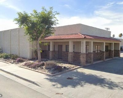 Great office-warehouse combo close to I-10