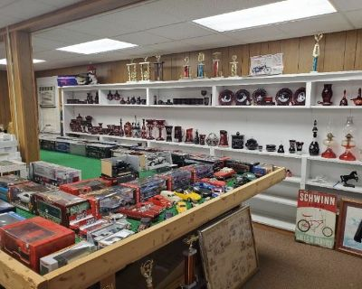 Estate Sale with lots of Unique Items and Antiques