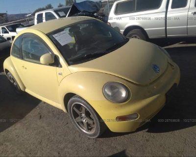 Salvage Yellow 2000 Volkswagen New Beetle