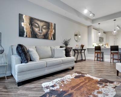 Buckhead Luxury Apt - KING BED - Free Parking - Peachtree Heights West