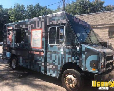 Well-Maintained Diesel Freightliner Cummins MT45 Kitchen on Wheels