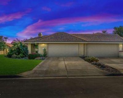 13 Verde Way, Palm Desert, CA 92260 2 Bedroom House