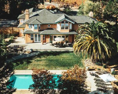KANZLER   Vineyard House with Hot Tub & Pool - Sebastopol