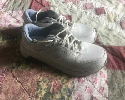 New Balance shoes. Size 7.5, wide