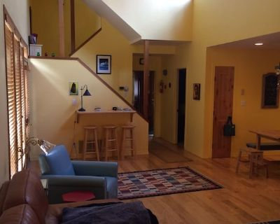 A spacious ski-in-ski-out, 3 bdr house in the center of Park City resort. - Downtown Park City
