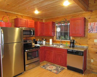 Cabin in the Smokies-Great cabin King Bed HotTub Fireplace. - Gatlinburg