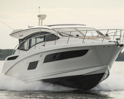 2017 Sea Ray 400 Sundancer