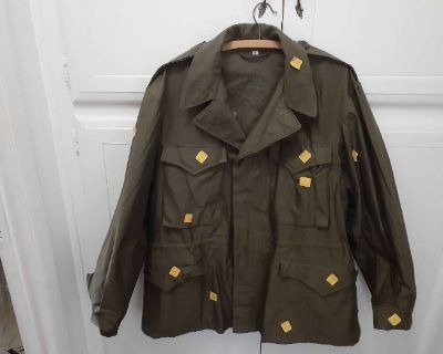 Military Memorabilia and Vintage Americana Online Auction
