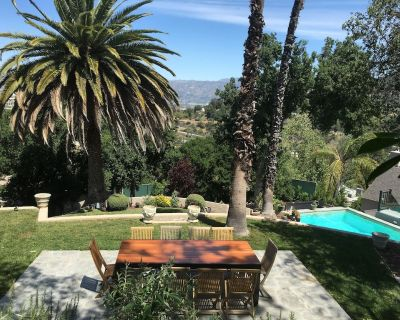 Detached Hollywood Hill Guest House with pool and outside dining areas. - Hollywood Hills