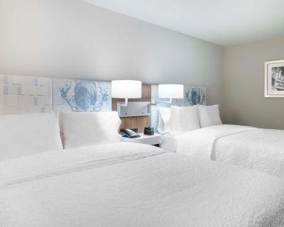 2-Bedroom Suite at Hampton Inn & Suites Atlanta Buckhead Place by Suiteness - North Buckhead