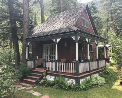 Cottage Next to the Creek in Historic Cascade Canyon At The Foot Of Pikes Peak - Cascade