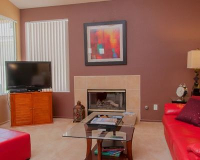 DP10: Deluxe Executive Home: Art Gallery - Cathedral City