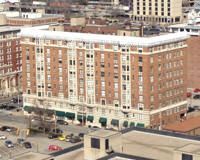 Landmark Downtown Multifamily & Retail Building For Sale