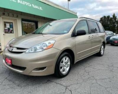 2009 Toyota Sienna LE 7-Passenger FWD