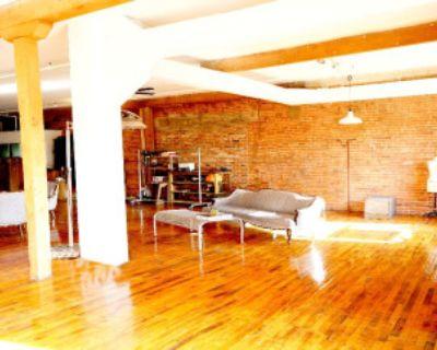Sunlit NY Style loft DTLA, vintage furniture-cool props-exposed bricks-fireplace, Los Angeles, CA