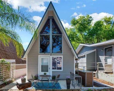 A-frame Cottage W/lake Access! Near Disney & NTC - Vacation Village