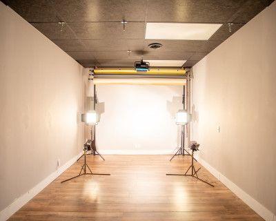Modern, Cozy Sandy Springs Studio with Natural Lighting, Atlanta, GA