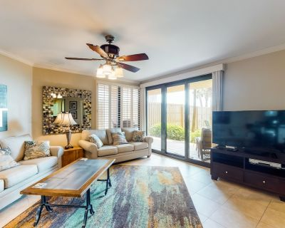 Gulf Front condo with gulf front fishing pier and indoor and outdoor pools! - Orange Beach