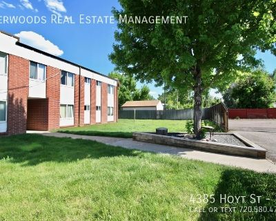 Air Conditioning, Plank Flooring, Free Tenant Parking, Cat Friendly