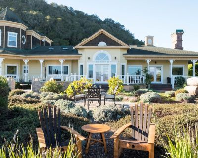 Ranch Estate with EPIC VIEWS of SLO! 10min from Beaches, Wineries, & Cal Poly - San Luis Obispo