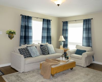 Great Location! Close to the new Dickies Arena and Fort Worth Cultural District - Arlington Heights