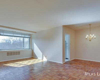 1BD/1BA Apartment in Wesley Heights - All Utilities Included