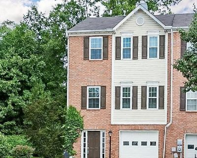Come and Find Your PERFECT PIECE at this Beautiful Townhome FILLED with Accessories in Johns Creek!