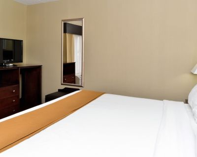 Holiday Inn Express and Suites Indianapolis W- Airport Area, an IHG Hotel - Wayne