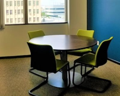 Private Meeting Room for 4 at Pacific Workplaces - Bakersfield