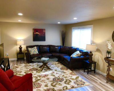 Two-Bedroom Pearl Suite all to Yourself! - Pasco