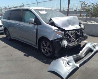 Salvage Silver 2015 Toyota Sienna