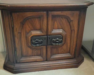 Bedside table(2),trie Dresser, headboard