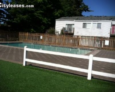 $1265 2 single-family home in Portland Northeast