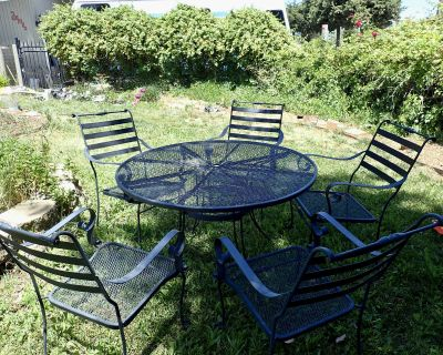 black wrought iron Patio set 5 chairs and table
